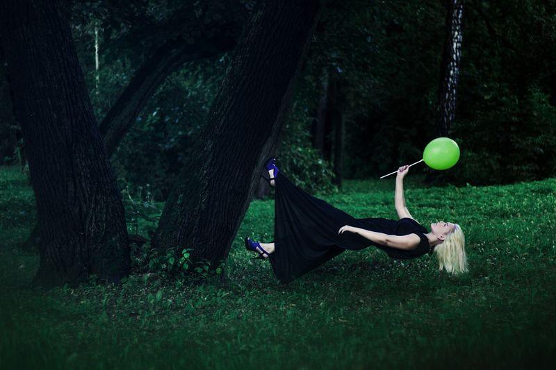 levitation-1333635_1280