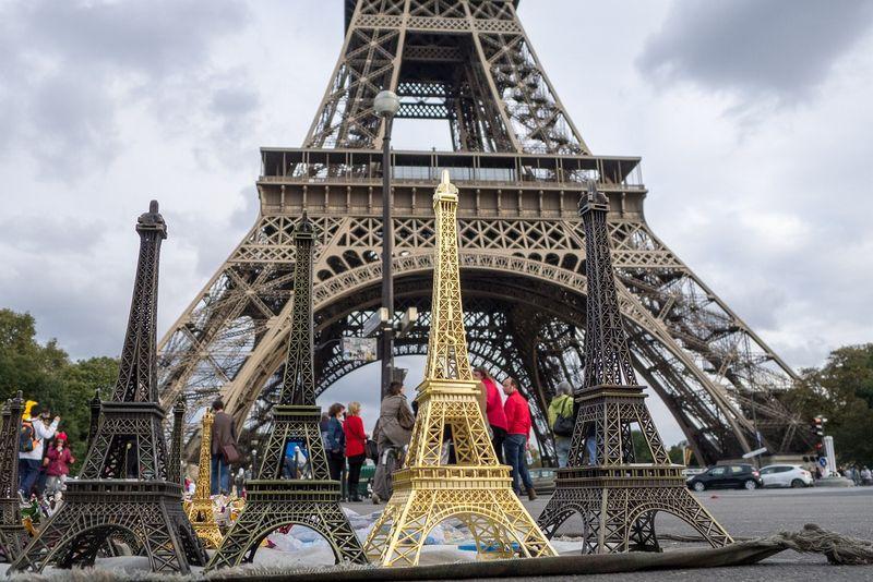 paris-1325506_1280